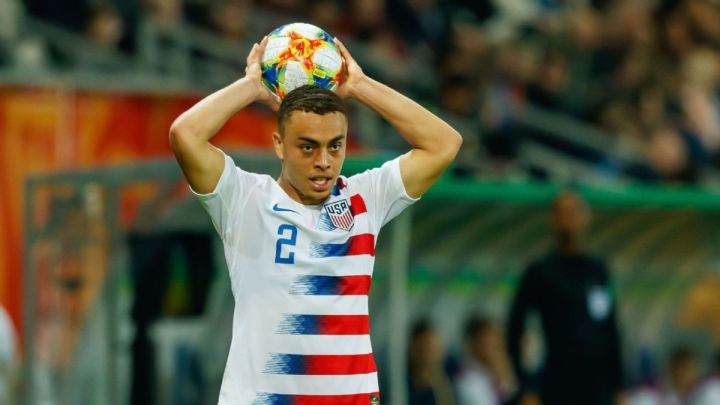 "Sergiño Dest: ""I want to win titles with USMNT"""