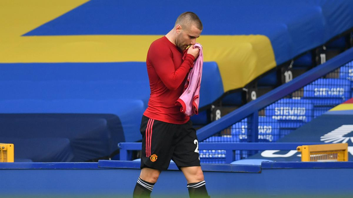 Man Utd left-back Shaw ruled out for a month with hamstring injury