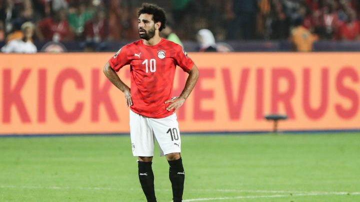 Salah and Elneny to fly back to England under strict medical measures