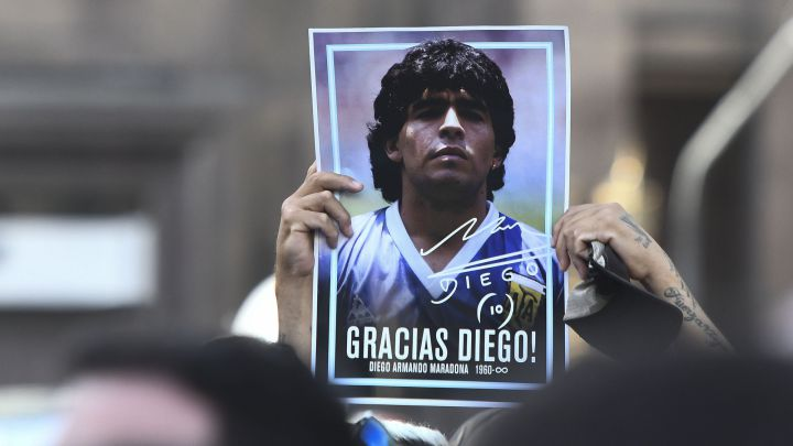 "Maradona's lawyer calls for investigation into medical services' ""CRIMINAL IDIOCY"""