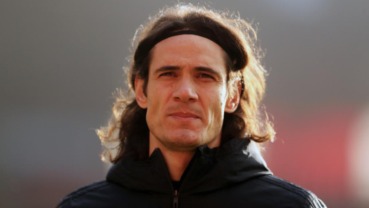 Cavani apologises for offensive social media post that Man United insist was 'misconstrued'