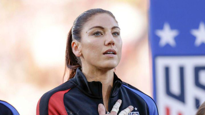 """It was a club of bad, white and rich girls"" - Hope Solo on USWNT"