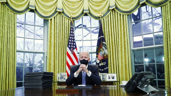 What is Joe Biden changing in the Oval Office makeover?