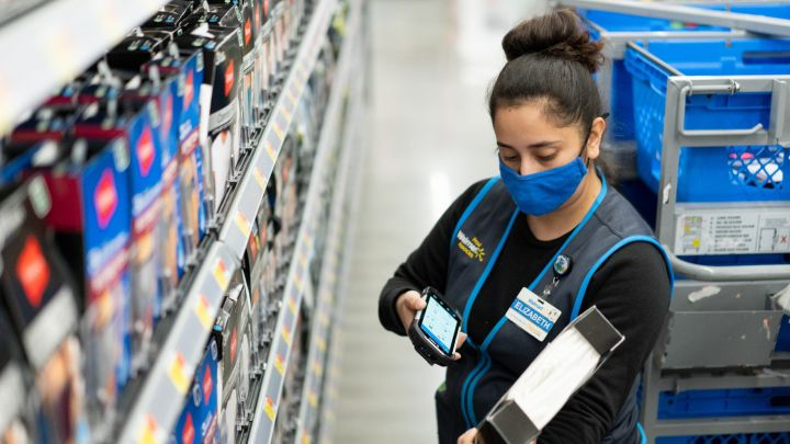 Walmart raises average hourly wage to $15: why, when and who is receiving it?