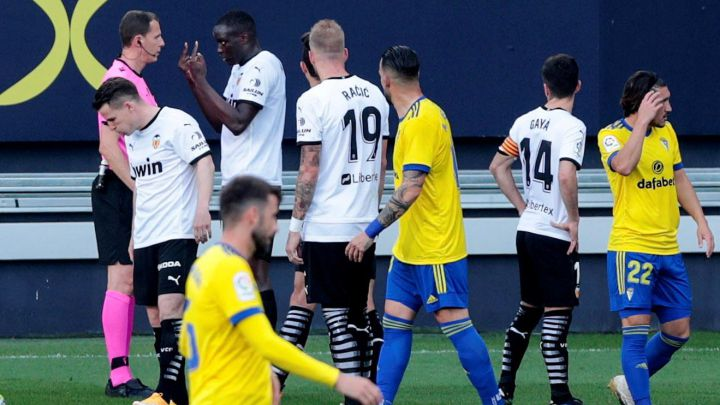 Cádiz-Valencia temporarily suspended after alleged racism incident