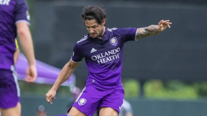 Pato avoids surgery on injury suffered in MLS debut