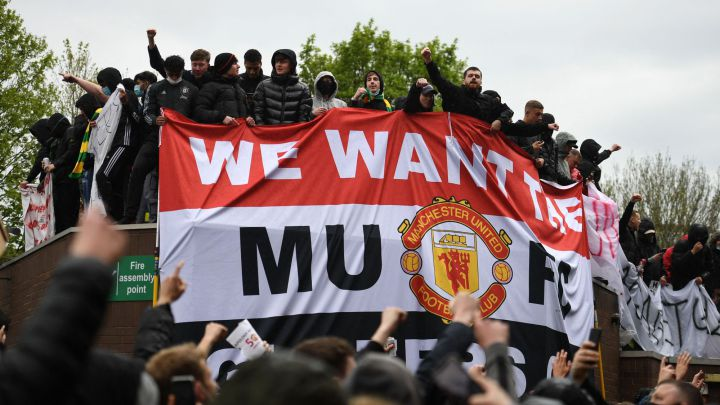 Man Utd vs Liverpool postponed after pitch protest at Old Trafford