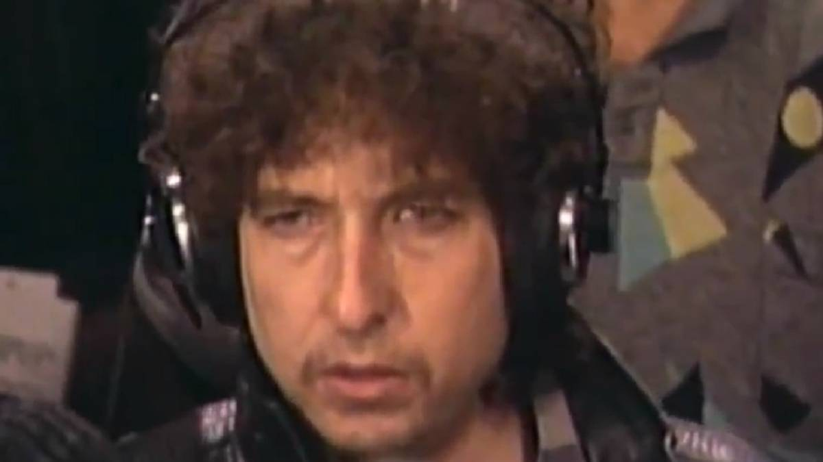 Bob Dylan cantando 'We are the World' nos representa en todas las cosas malas de la vida