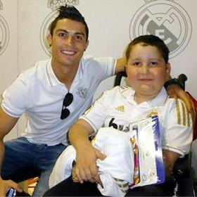 Cristiano Ronaldo funds cancer treatment for 9-year-old boy