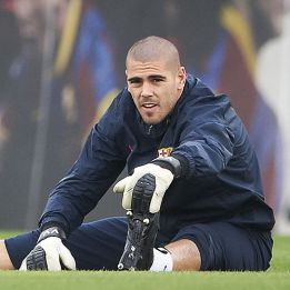 Monaco have pulled out of Víctor Valdés deal, says L'Équipe