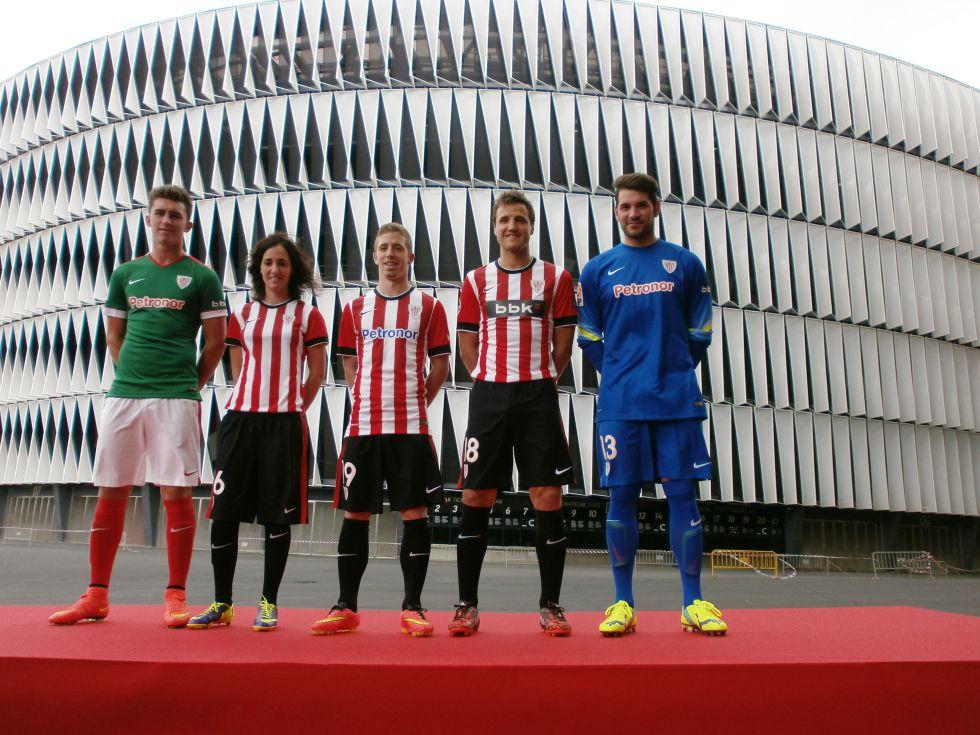 El Athletic presenta sus nuevas camisetas - AS.com 424b6a8cfbb6d
