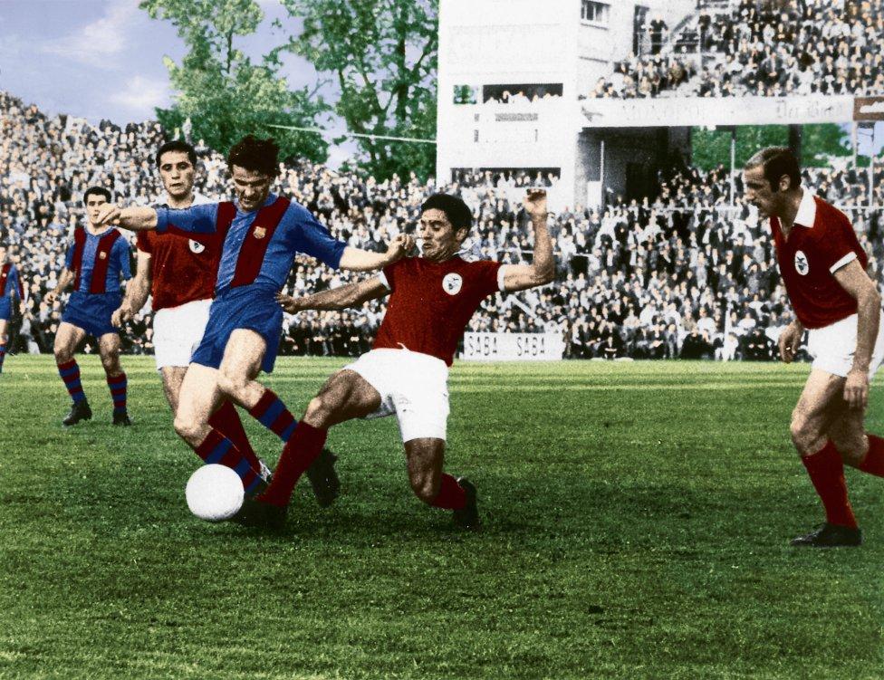1. 'La final de los postes'. Final de la Copa de Europa de 1961. Partido Benfica-Barcelona. El equipo azulgrana se encontró hasta 4 veces con los postes.