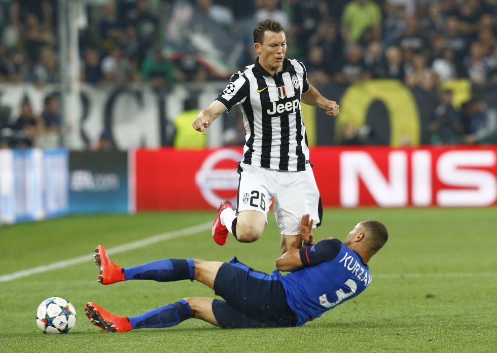 Juventus | Lichtsteiner, operado de una arritmia cardíaca: baja 30 ...