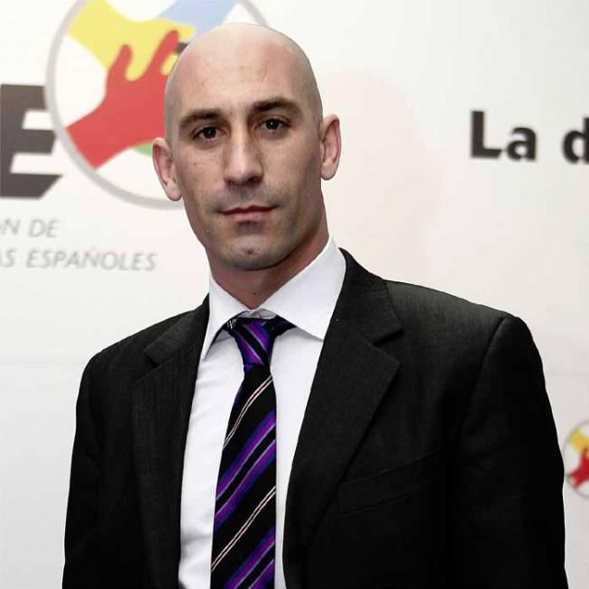 Luis Rubiales nuevo presidente de la RFEF 1459933021_073039_1459933290_noticia_grande