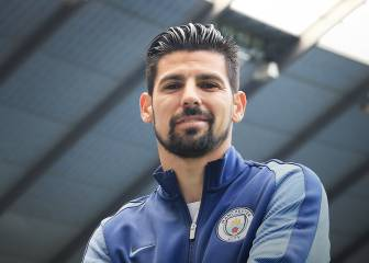 Nolito joins Manchester City and will wear the No. 9 shirt