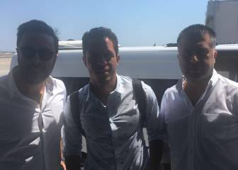 Adriano arrives in Istanbul to sign for Besiktas