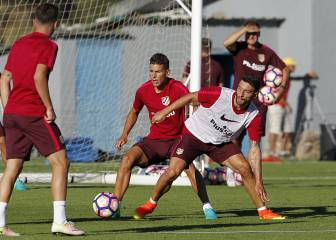Borja Bastón returns to training but Atlético future in the air
