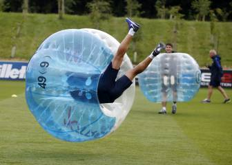 Barcelona's preseason bubble football madness!