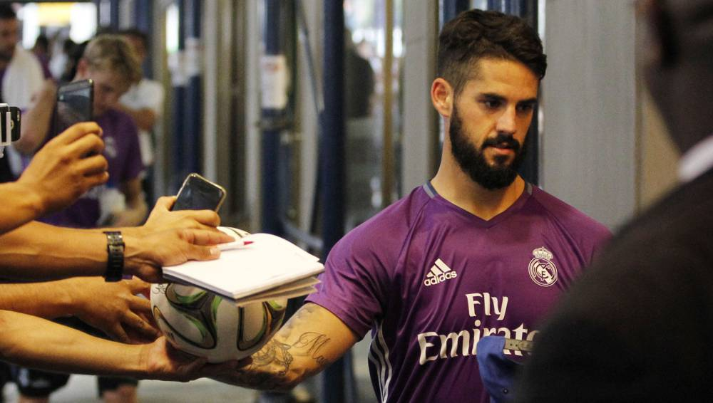 Real Madrid to put Isco on the market
