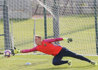Injured Ter Stegen to miss Saturday's game against Alavés