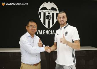 Jaume signs five-year extension with Valencia