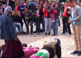 PSV refuse to name fans who humiliated beggars in Madrid