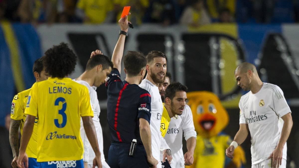 Derby ref Borbalán has sent off eight Real Madrid players