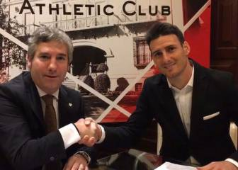 Aduriz signs new Athletic deal