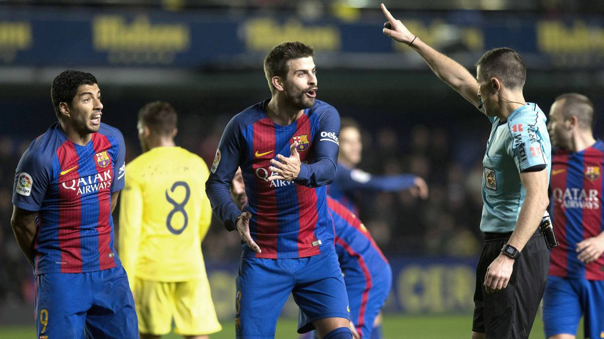 LaLiga referees file complaint against Barcelona's Gerard Piqué