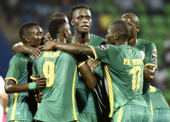 Algeria held despite Mahrez star turn, Senegal win