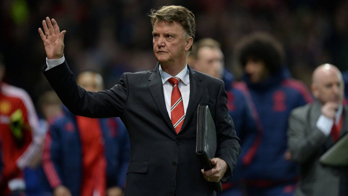 Van Gaal not retiring and turned down Valencia manager's offer