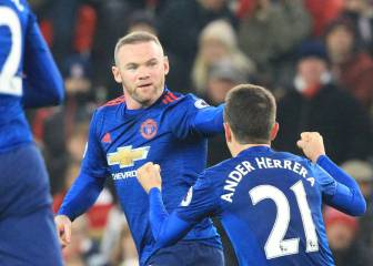 Rooney supera a Charlton y rescata al United en el 94'