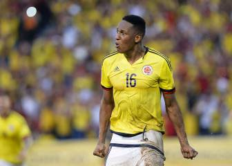 Barcelona visit Colombian defender Yerry Mina in Brazil