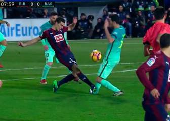 Brutal foul from Escalante on Busquets