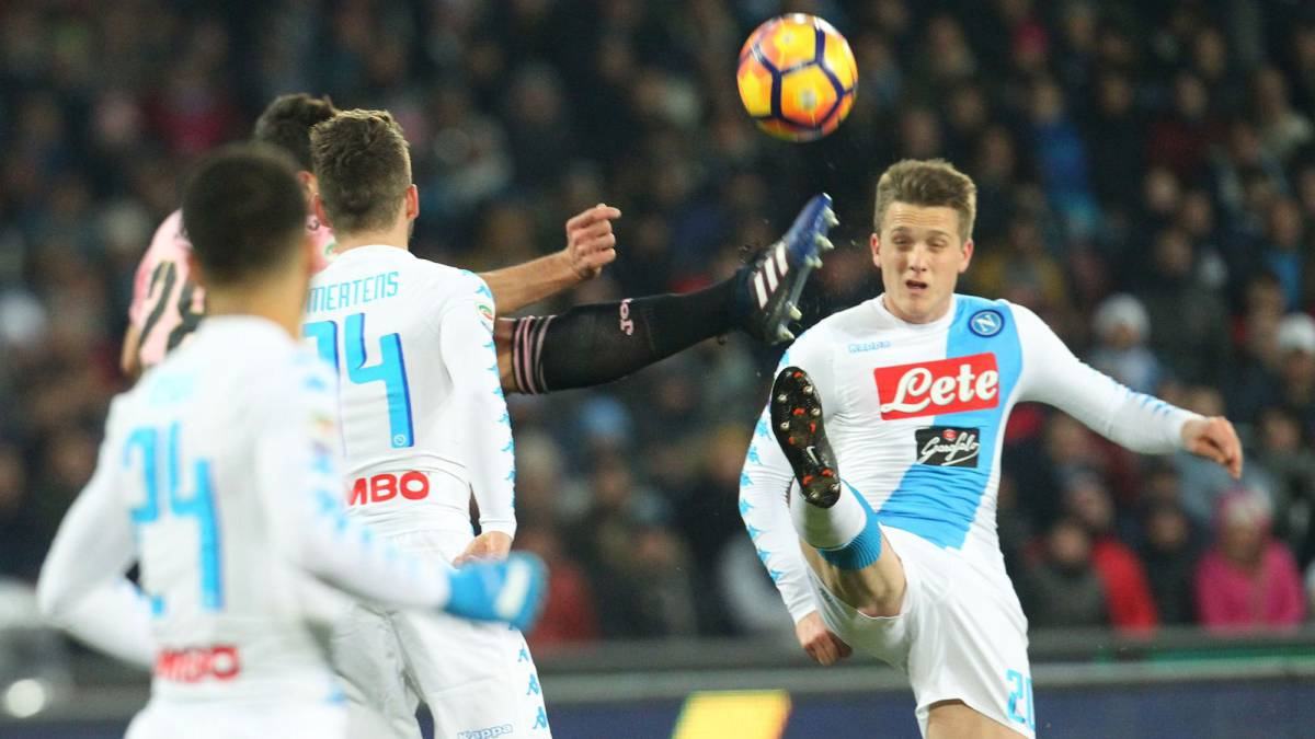 Napoli midfielder Piotr Zielinski on Real Madrid's radar
