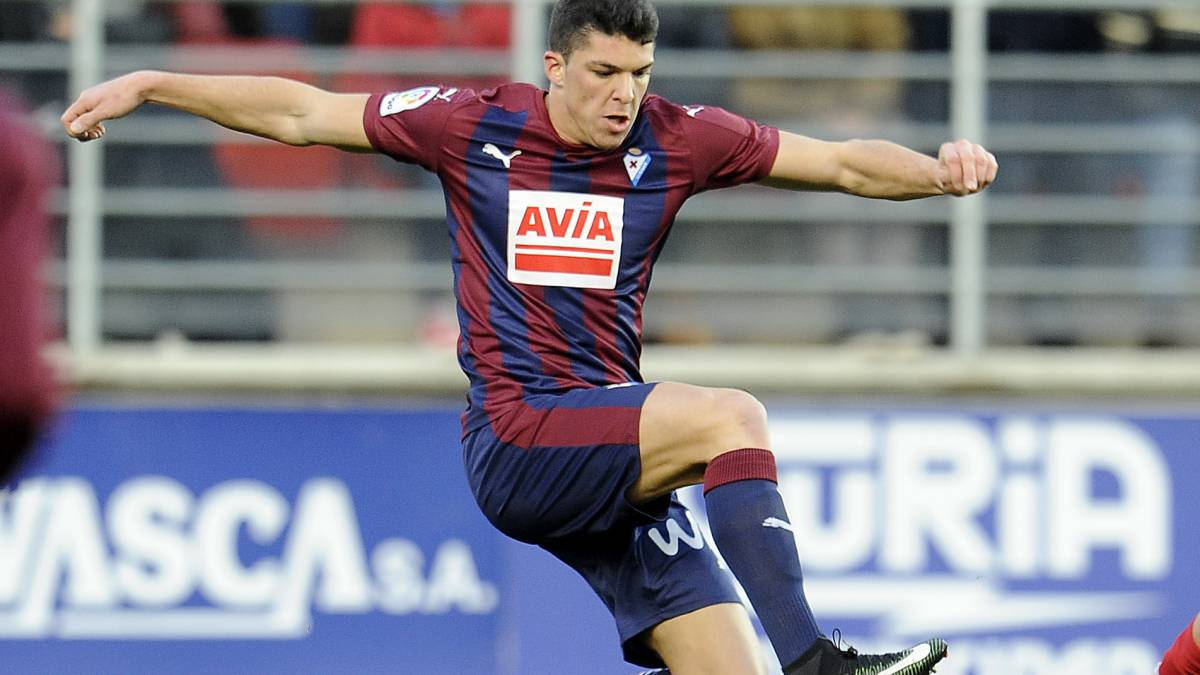 Ander Capa will only leave Eibar if Barcelona pay his buy-out