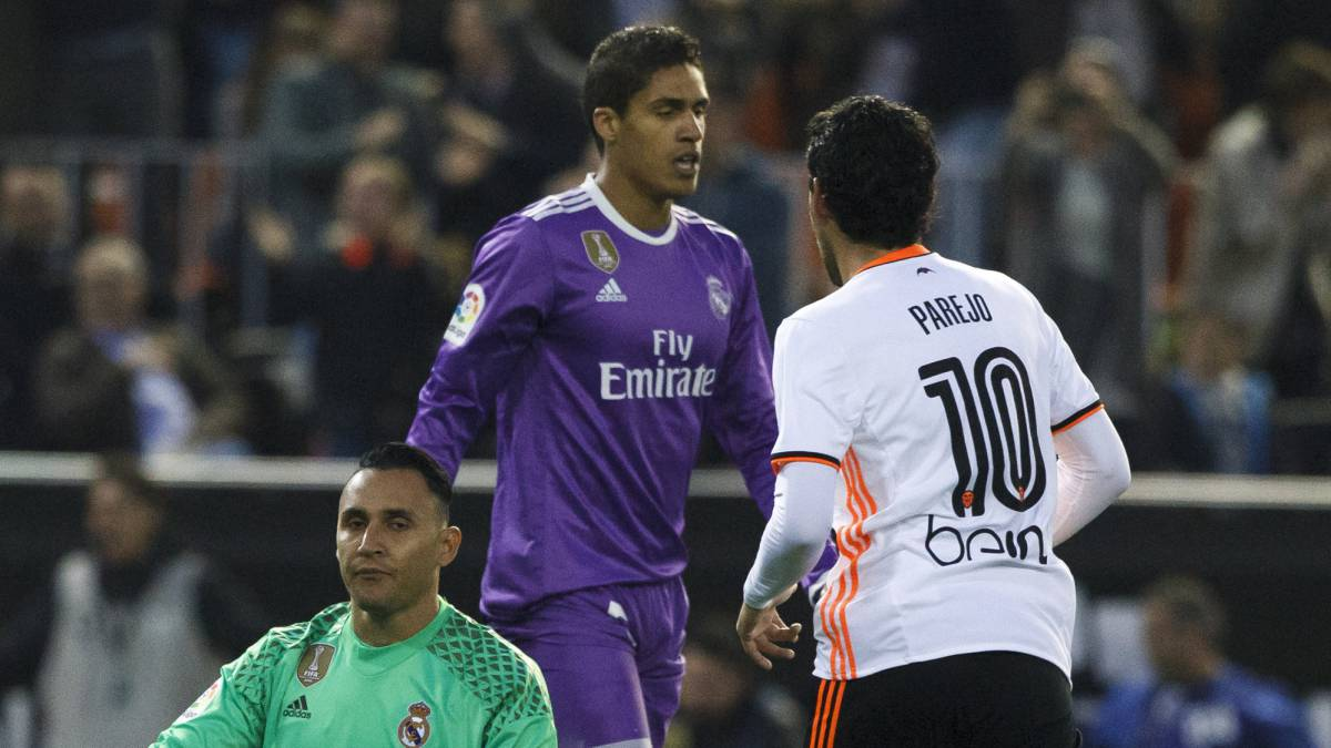 Varane: Real Madrid man facing spell out with muscle injury