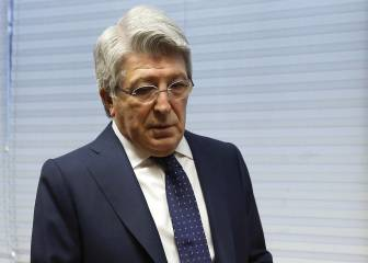 Cerezo: '¿Renovar a Torres? Estamos intentando traer a Messi'