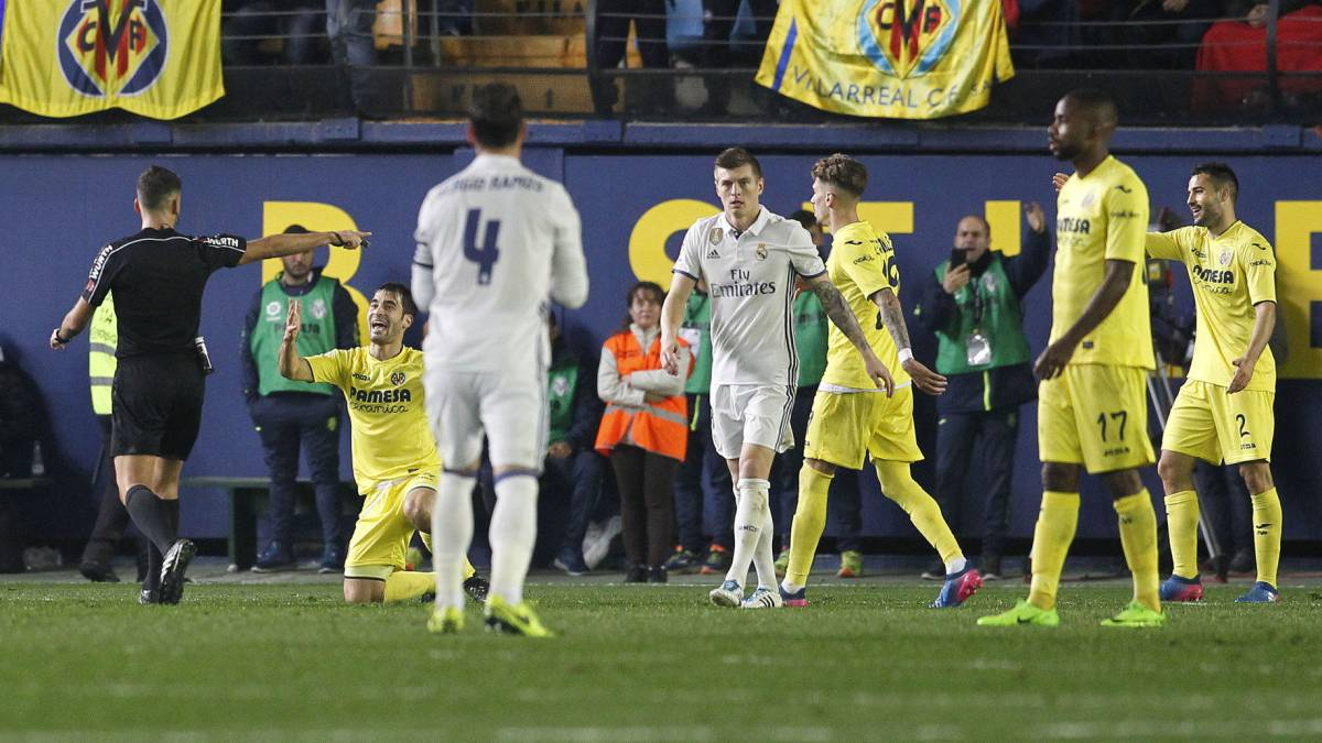 Villarreal's Bruno disputes Real Madrid penalty award