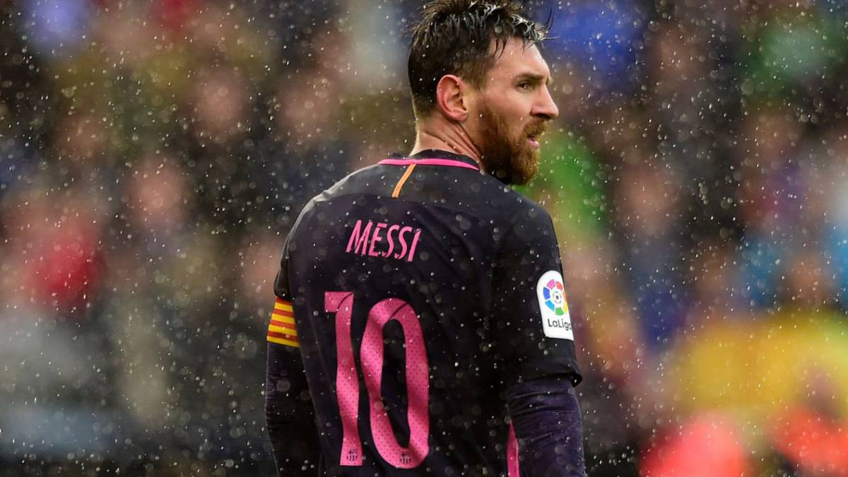 Barça progress slowly in negotiations with Lionel Messi, the player is asking for a significant amount, and Barça could sell to finance the deal