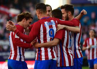 Atlético Madrid close in on Sevilla with commanding win