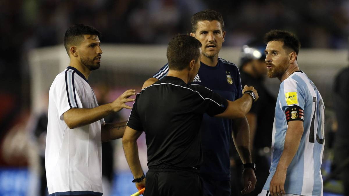 Messi facing ban for foul mouthed tirade against lino