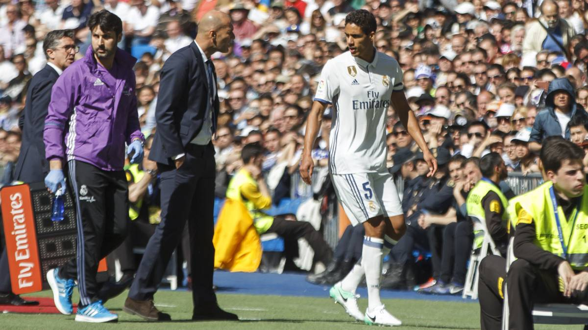 Varane's injury comeback lasts just 10 minutes against Alavés