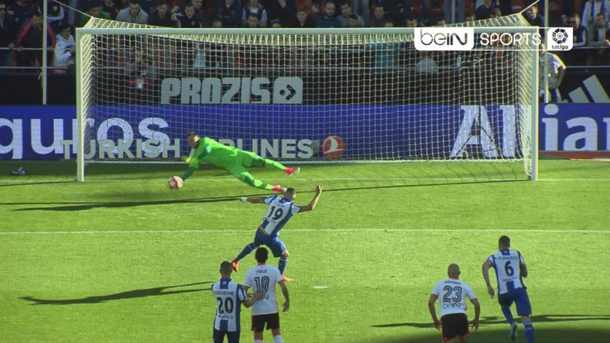Diego Alves: Valencia's penalty-save specialist does it again