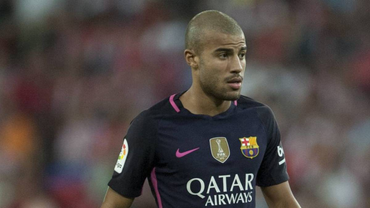 Rafinha facing up to a month out after suffering meniscus injury