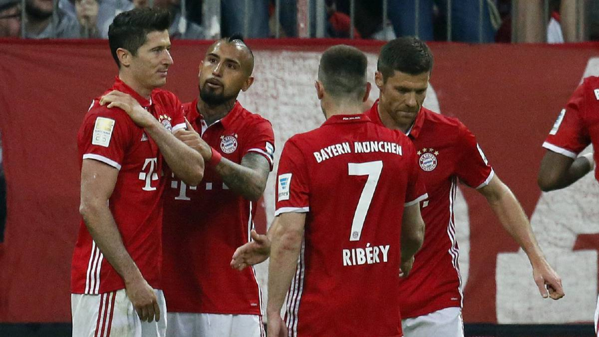 Lewandowski misses training two days before Madrid clash