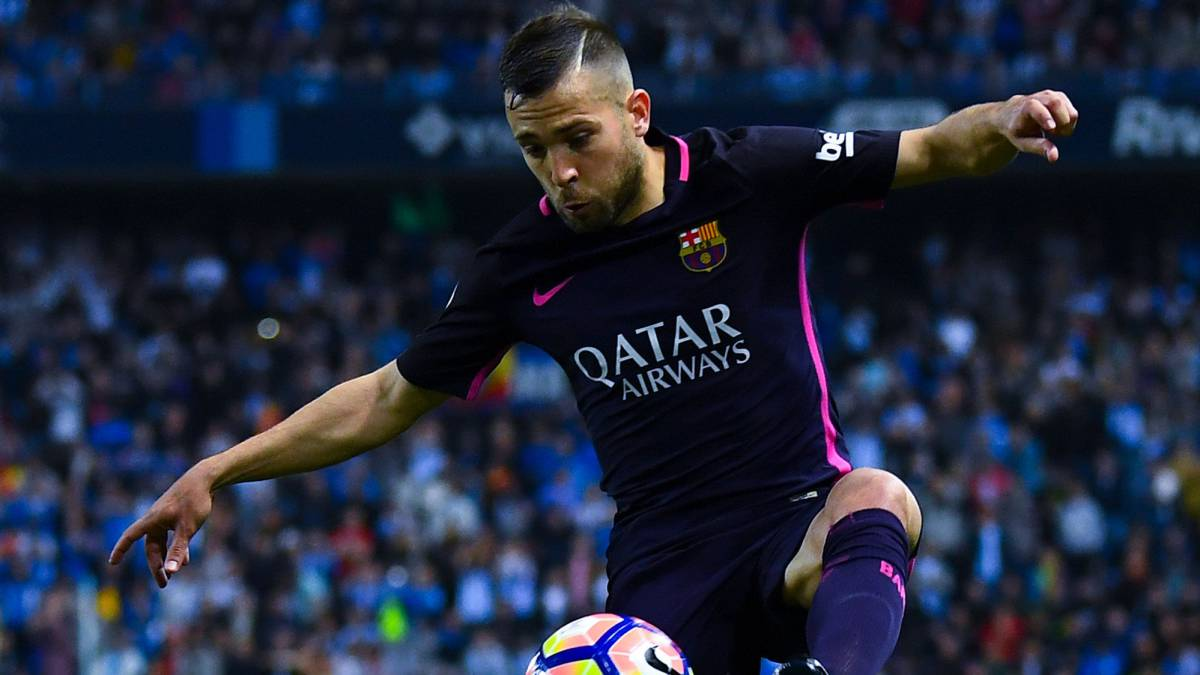 Jordi Alba asks Fàbregas and Pedro for lowdown on Chelsea