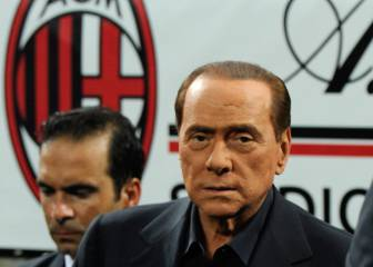 Official: Milan's Berlusconi era over as China deal completed
