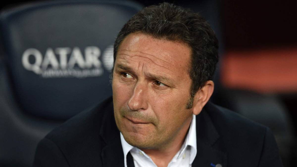 Real Sociedad's coach Eusebio Sacristan looks on before the Spanish league football match FC Barcelona vs Real Sociedad at the Camp Nou stadium in Barcelona on April 15, 2017.