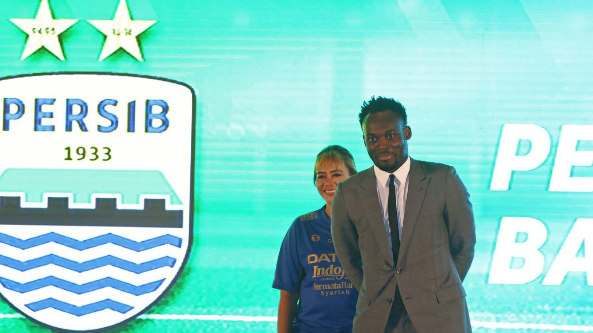 Michael Essien of Ghana, who currently plays for Indonesian club Persib, attends a ceremony to launch Indonesia's football league called Liga 1 in Jakarta on April 10, 2017.